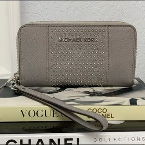 Michael Kors Pearl Grey Leather Wallet